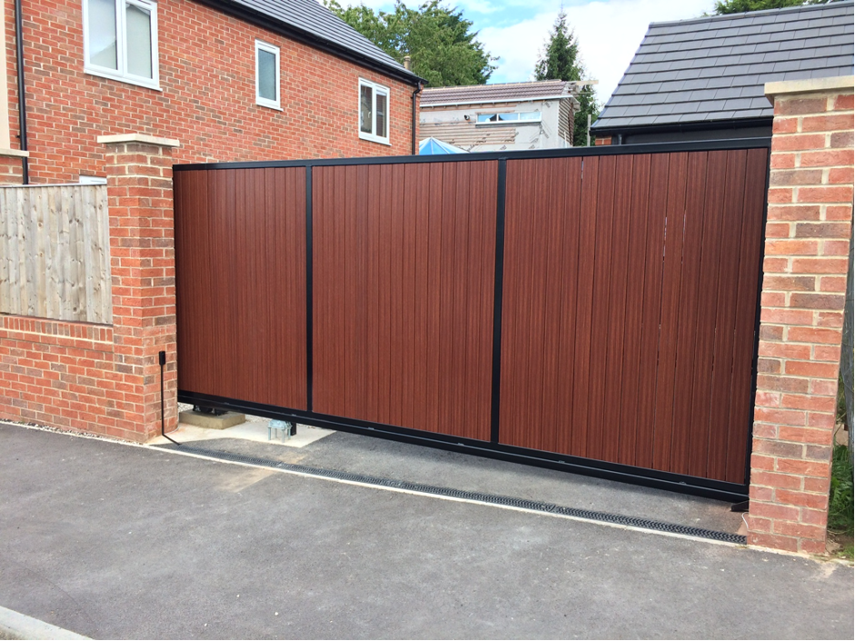 derby based electric gate fitter